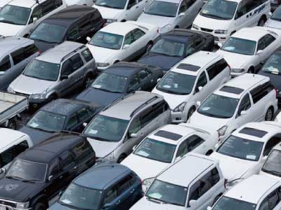 オークションであなたのお車をお探しします。